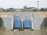 飛江田山内川線道路改良工事(4工区)但し樋門改築工